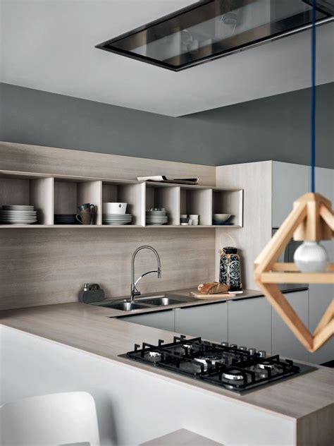 poser une credence de cuisine quels mat 233 riaux et accessoires pour une nouvelle cr 233 dence de cuisine c 244 t 233 maison