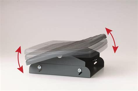under desk rocking footrest 3m adjustable foot rest fr330 shop 3m adjustable foot
