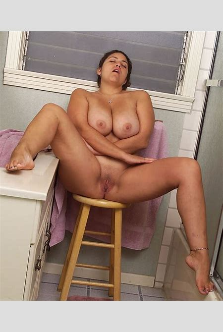 Smoking hot latin bbw goddess Loretta playing with her nice wet shaved pussy at bbw-hotties.com