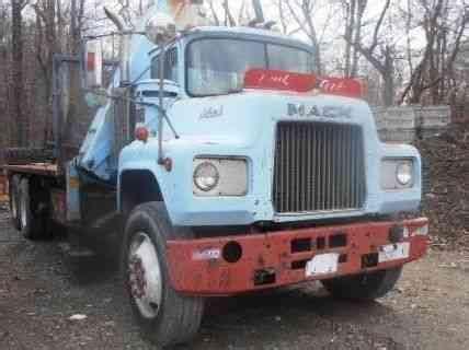 mack  heavy duty trucks