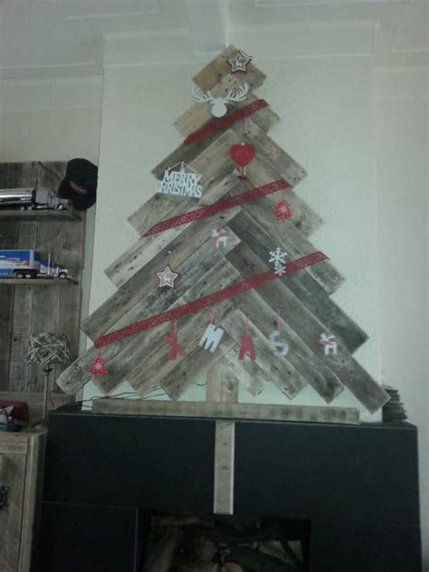christmas trees  repurposed pallets recyclart