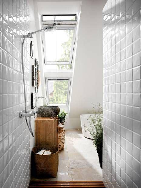 Schwingfenster Sorgen Fuer Viel Licht Im Raum by Dachfenster Im Bad Sorgen F 252 R Viel Licht Styling Ideen