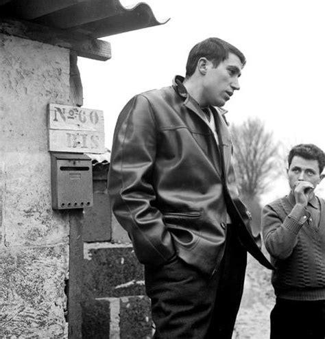 Immigré Portugais en France by Gérald Bloncourt, 1965