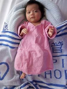 Appeal for information on abandoned baby girl (with photo)