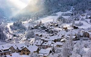 Bilder Mit Häusern : bergdorf im winter mit viel h usern hd hintergrundbilder ~ Sanjose-hotels-ca.com Haus und Dekorationen