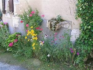 Quel Arbre Planter Près D Une Maison : planter et semer dans la rue devant la maison ~ Dode.kayakingforconservation.com Idées de Décoration