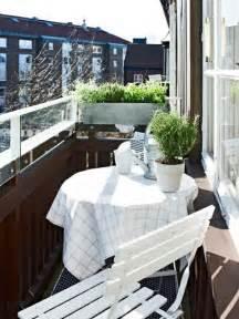 kleiner balkon deko kleiner balkon elvenbride