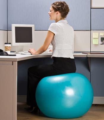 ballon chaise de bureau voici pourquoi vous devriez changer votre chaise contre un