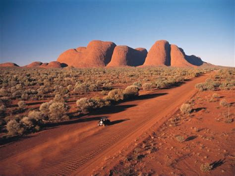 Si iniziano a scaldare i deserti australiani; raggiunti i +45°