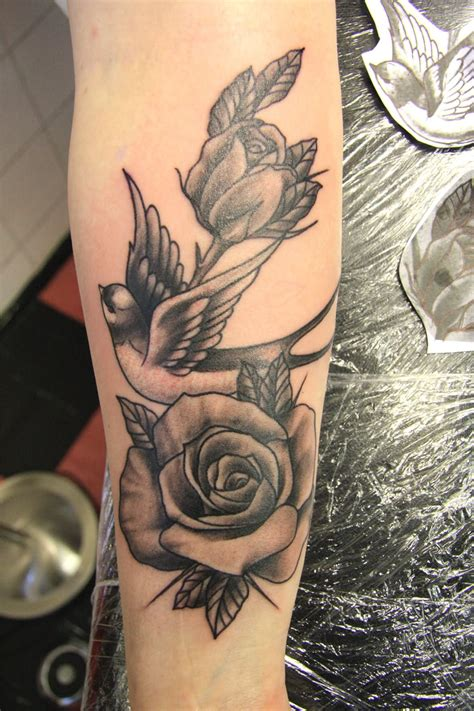 51+ Excellent Rose & Swallow Tattoos & Designs With Meanings