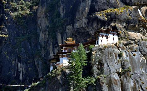 hd bhutan monastery wallpaper