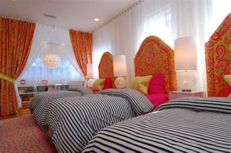 Space-efficient And Chic Shared Girls' Bedroom Design Ideas