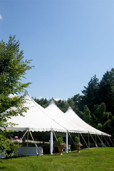 Top 10 Backyard Wedding and Reception Tips ? BG Events and Catering