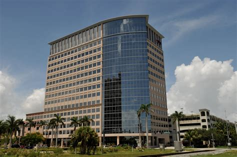 Cleveland Clinic Palm Gardens by Cleveland Clinic Florida West Palm 525 Okeechobee