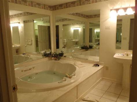 traditional bathroom ideas woodstone at massanutten master bathroom east coast