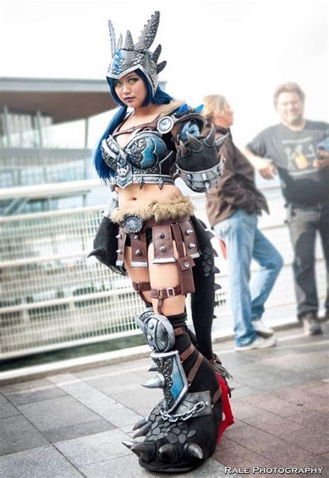 super cool toothless cosplay  part dragon  part