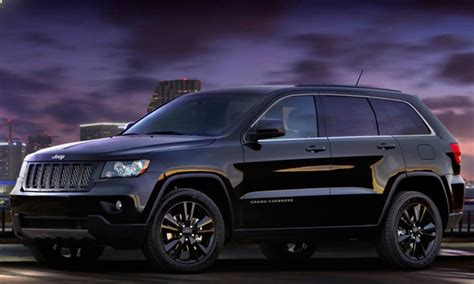 jeep cherokee blacked out jeep 39 s blacked out grand cherokee is pretty sick