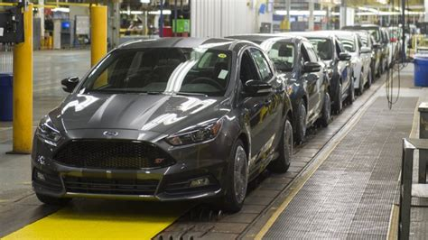 Ford Focus Plant by Ford Ending Focus C Max Production In Michigan After 2018