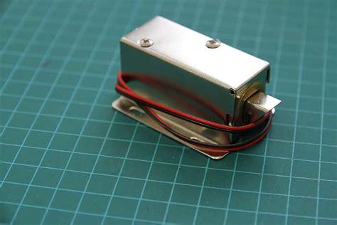 12 Vdc Cabinet Door-style Solenoid Electronic Lock