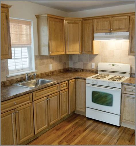 kitchens with white appliances and oak cabinets 25 best ideas about light oak cabinets on 9860