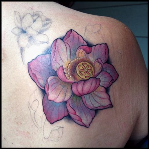 65 Beautiful Lotus Shoulder Tattoos