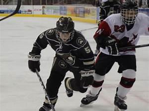 Dover's Benchich making name for himself on prep hockey scene