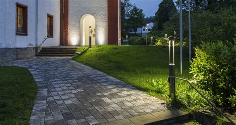 how to choose and install landscape lighting certified