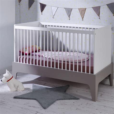 chambre bebe evolutif but lit bebe evolutif 70x140 elvi blanc gris elvilinm01b