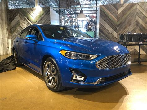 2019 Ford Fusion Energi Plugin Hybrid Gets 25 Miles From