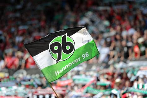 Hannoverscher sportverein von 1896, commonly referred to as hannover 96, hannover, hsv or simply 96, is a german professional football club. Hannover 96: Nach Absage der Fans - Dialog-Angebot vom ...