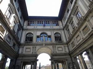 Beautiful sights Florence, Italy, Uffizi Gallery interior ...
