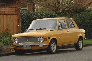 Old Parked Cars   1973 Fiat 128