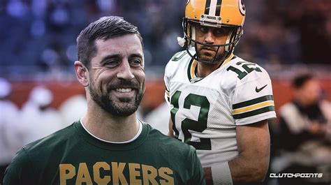 packers news aaron rodgers experimenting  wristband play sheet