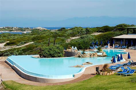 le cupole borore locali pubblici sorgente solare piscine da sogno
