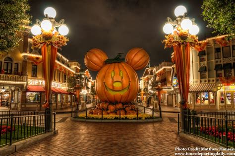 Your Guide To 2016 Halloween Time And Mickey's Halloween