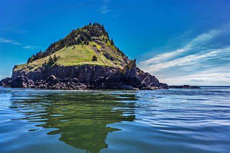 your own island bay of fundy advocate boat tours