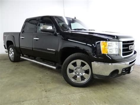 sell   gmc slt  leather  owner clean carfax