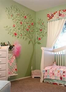 decoration pour la chambre de bebe fille archzinefr With chambre bébé design avec fleur de vie pendentif or
