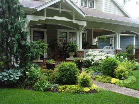 Cozy Front Porch Landscaping Ideas