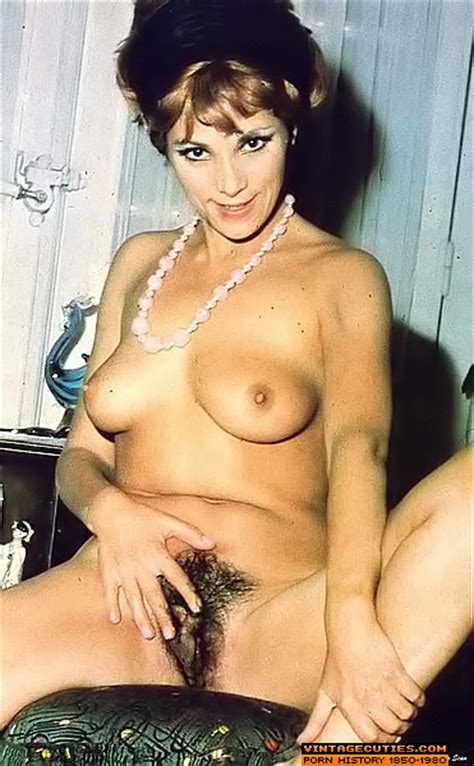 Bushy pussy retro cuties in sexy stockings - XXX Dessert - Picture 2
