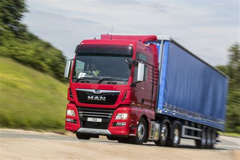 Dfsk 580 Backgrounds by What S It Like To Be An Hgv Driver Auto Express