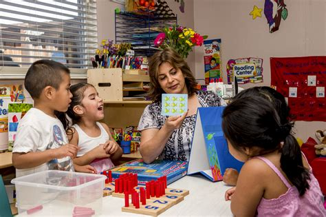 tempe city council agrees to launch preschool pilot 634 | L teacher and kids at preschool