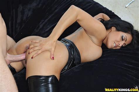 Sexy Kiara Mia Gets Banged Hard At A Clothing Store 2 Of 2