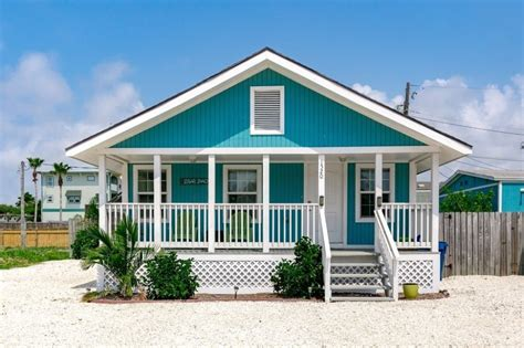 Coral dapat memberikan nuansa segar. Inspirasi Warna Cat Rumah yang Bagus - Jasa Pengecatan ...
