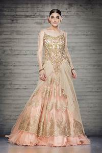 Offbeat bridal gowns online sareez blog for Designer wedding dresses online