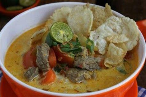 Cara membuat soto betawi santan. Resep soto daging kuah santan dan bumbu soto daging santan kuning
