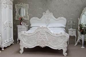 Lit Baroque Blanc : le lit baroque en 40 photos romantiques ~ Teatrodelosmanantiales.com Idées de Décoration