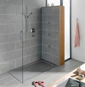 badezimmer fliesen grau die besten 17 ideen zu schiefer fliesen auf schieferplatte duschrollstuhl und