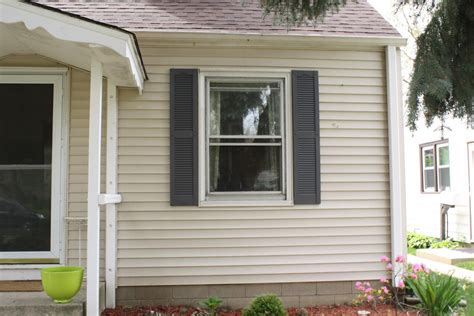severe weather 2 pack louvered vinyl exterior shutters