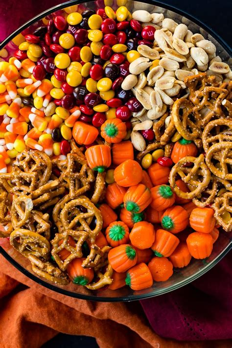 30 best halloween snacks ideas that ll brighten up your halloween party hike n dip
